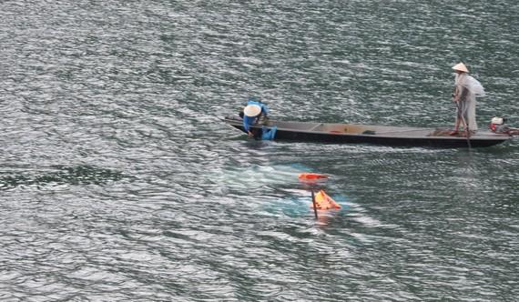 Hiện trường vụ chìm thuyền du lịch thứ 1