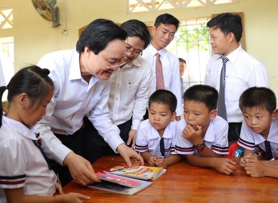 Bộ trưởng Bộ GD-ĐT Phùng Xuân Nhạ. Ảnh: THU MINH