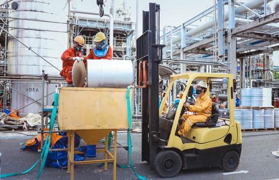 Lợi nhuận GAS giảm mạnh vì giá dầu