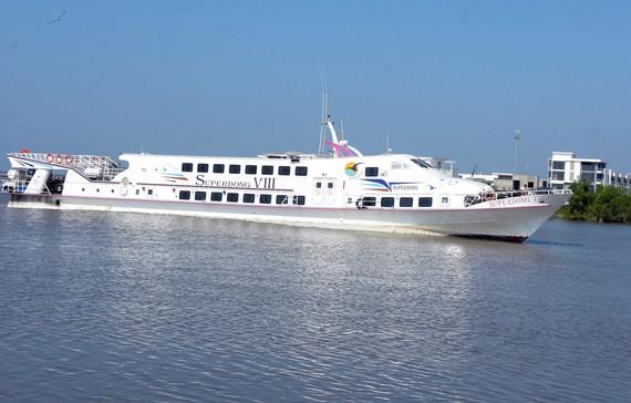 Tàu cao tốc Superdong chính thức đưa vào hoạt động tuyến tàu cao tốc đường biển từ huyện Phú Quốc - Nam Du. Ảnh: VĨNH THUẬN