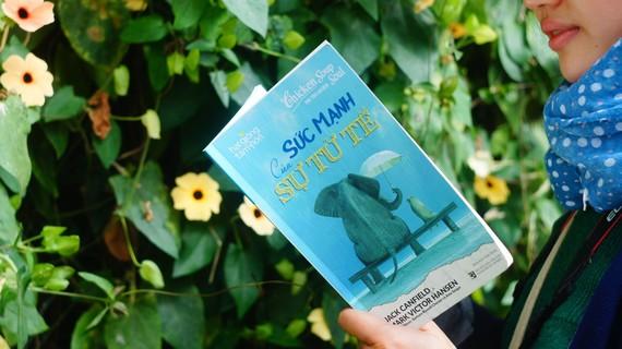 """Cuốn sách """"Sức mạnh của sự tử tế"""" mang nhiều thông điệp ý nghĩa, tích cực"""