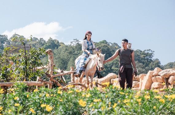 MV Nhà anh trên đỉnh cheo leo được quay ở khung cảnh rừng núi tuyệt đẹp