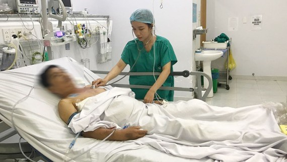 Sau 4 năm ngủ ngồi, nay bệnh nhân S. có thể nằm được, sau khi phẫu thuật thành côn