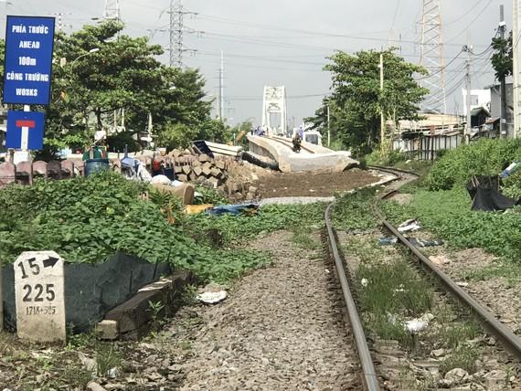 Sau khi cầu đường sắt Bình Lợi hoàn thành tàu thuyền qua sông Sài Gòn sẽ phải đóng phí