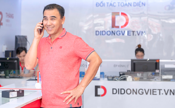 Sao Việt nào chọn Galaxy S10/S10+ làm quà người thân 8-3?