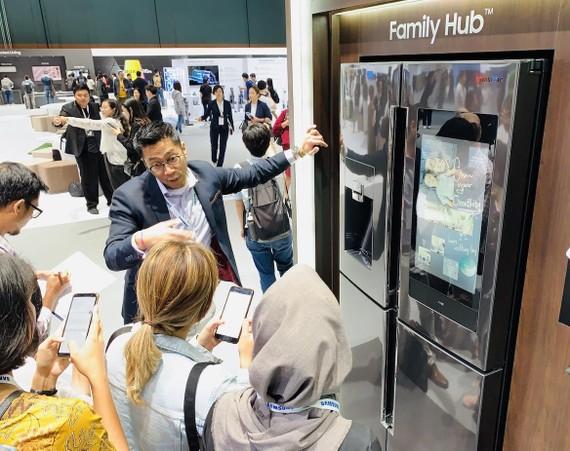 Samsung giới thiệu Tủ lạnh có kết nối Family Hub