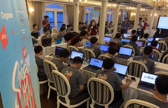 Saigon Code Tour với đông đảo các bạn trẻ yêu lập trình tham gia
