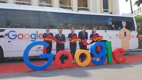 Google khai trương Xe buýt kỹ thuật số