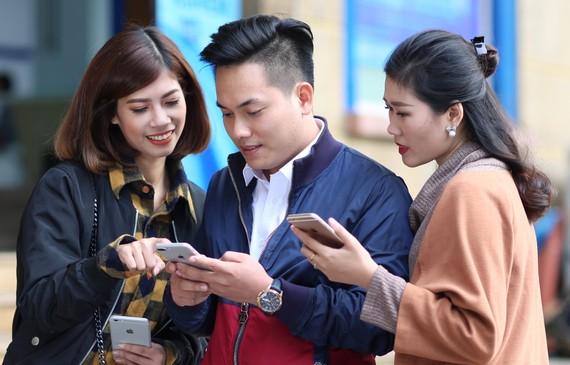 Để đăng ký gói Data Roaming VinaPhone, khách hàng soạn tin DK (Tên gói) gửi 9123
