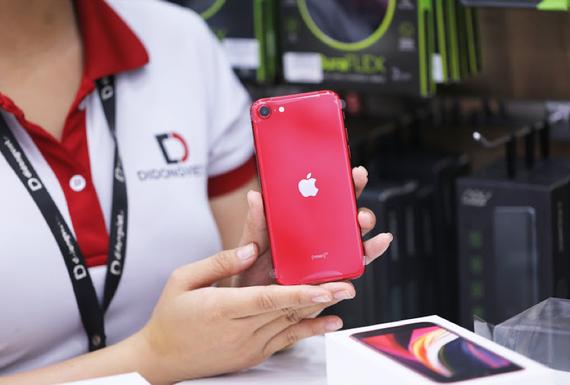 Mua iPhone SE 2020 có cơ hội trúng iPad Pro 2020 trị giá 20,3 triệu đồng