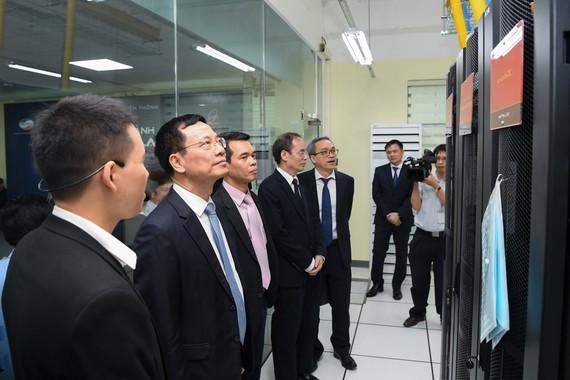 Viettel tài trợ phòng Lab mạng 4G LTE dành cho sinh viên