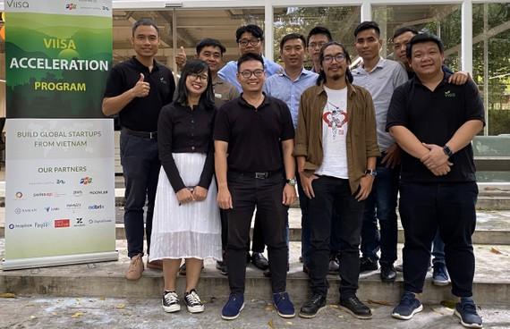 Các thành viên startup khoá 8