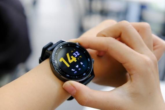 Realme Watch S: Trọng lượng nhẹ chỉ 48g, hỗ trợ 16 chế độ tập luyện thể thao