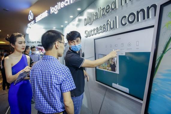 Giới thiệu thiết bị hiển thị của Samsung phục vụ giải pháp họp trực tuyến