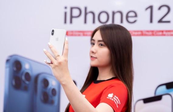 Người dùng công nghệ chờ Tết để mua iPhone giá tốt