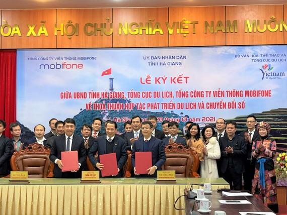 MobiFone, Tổng cục Du lịch Việt Nam và UBND tỉnh Hà Giang ký kết thỏa thuận hợp tác phát triển du lịch