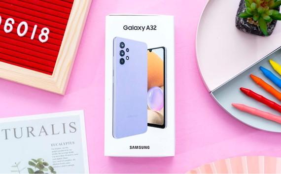 Galaxy A32, smartphone tầm trung với thiết kế thời thượng