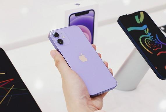 iPhone 12 màu Tím đã có mặt tại FPT Shop