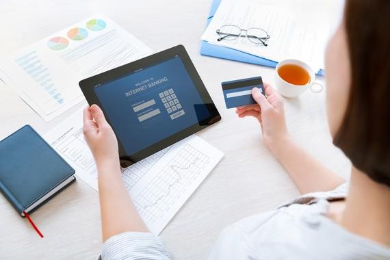 Liên quan đến giao dịch trực tuyến, người dùng luôn cẩn trọng
