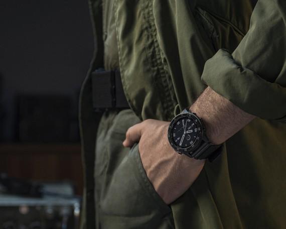 Garmin tactix Delta Solar - đồng hồ GPS có thiết kế tiêu chuẩn quân đội