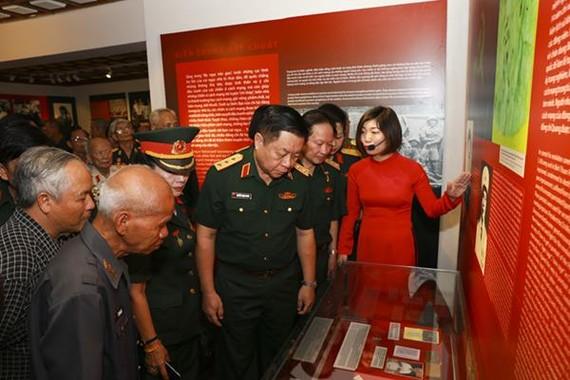 """Triển lãm """"Chiến sĩ cách mạng bị địch bắt tù đày"""" mang nhiều ý nghĩa lịch sử"""
