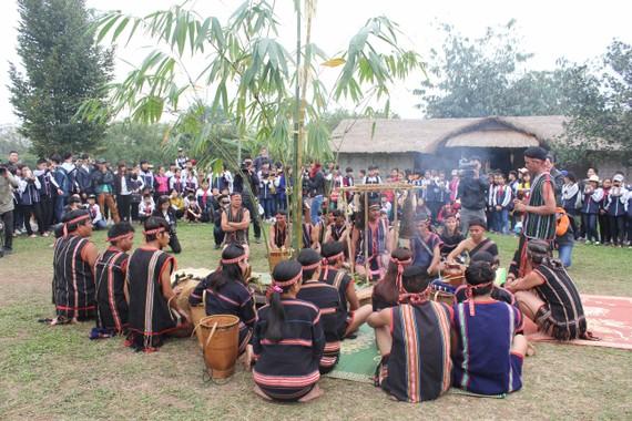 Giao UBND TP Hà Nội chủ trì xây dựng đề án Làng Văn hóa du lịch các dân tộc Việt Nam