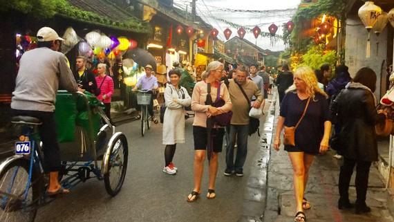 Tháng 10 Việt Nam đón hơn 1,6 triệu lượt khách quốc tế