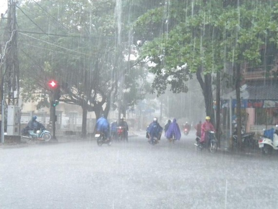 本市今日下午多處強降雨。