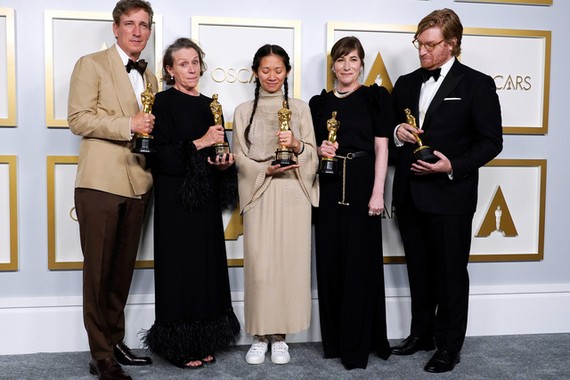 《浪跡天地》成為今屆奧斯卡獎的大贏家。