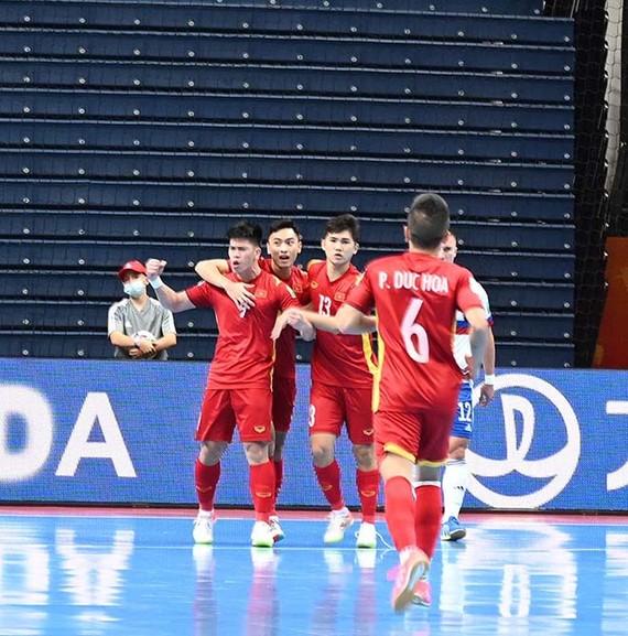 越南球隊慶祝進球(圖源:互聯網)