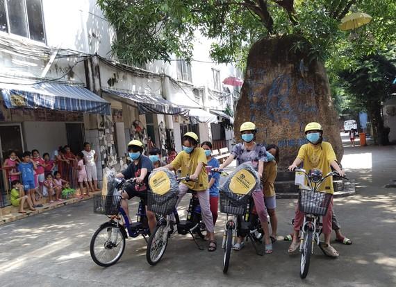 龍江工業區向故鄉人道中心捐贈的4輛電動自行車。