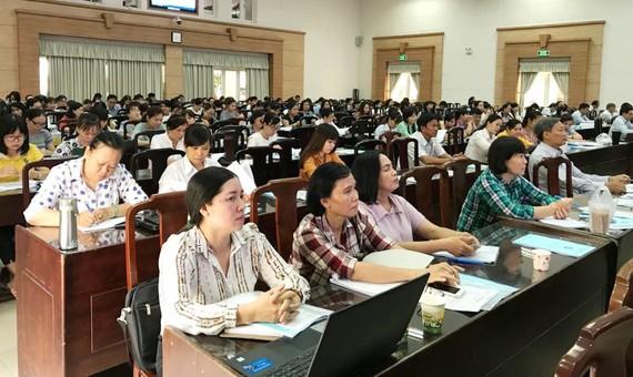 Nhân viên kế toán các trường học tại quận Bình Tân tham gia buổi tập huấn