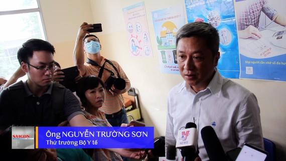 Thứ trưởng Bộ Y tế Nguyễn Trường Sơn làm việc với TPHCM về phòng, chống dịch bệnh do nCoV