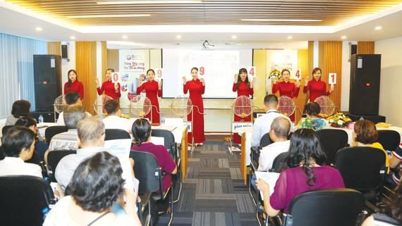 Chương trình quay số được tổ chức công khai, minh bạch với sự tham gia của đông đảo khách hàng