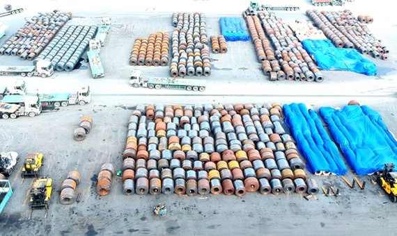 Imported steel rolls at a port in District 7 in Ho Chi Minh City. (Photo: SGGP)