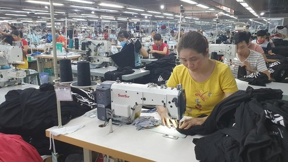 Garment, textile enterprises long for solutions to solve difficulties