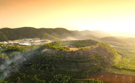 Bang Mo Volcano, a dormant volcano in Ea T'Ling Town in Cu Jut District in Dak Nong Province. (Photo: SGGP)