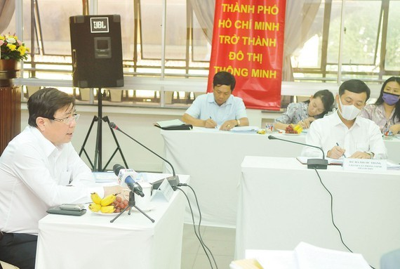 Mr. Nguyen Thanh Phong, Chairman of the People's Committee of Ho Chi Minh City, at the meeting with the Department of Planning and Investment of HCMC. (Photo: SGGP)