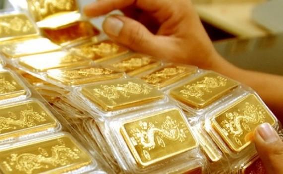 Vàng SJC giữ nguyên mức giá 57,25-57,95 triệu đồng/lượng trong phiên cuối tuần trước và đầu tuần này
