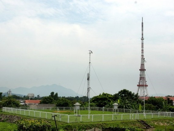 A weather station of the National Centre for Hydro-meteorological Forecasting's chapter in northern Tuyen Quang province (Photo: VNA)