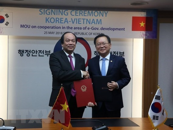 At the MoU signing ceremony (Photo: VNA)
