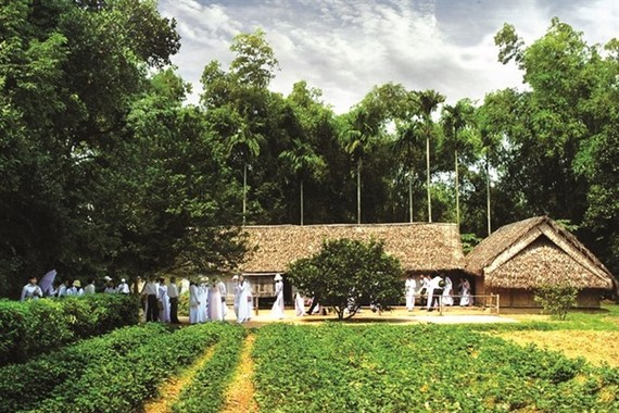 Cottages in Kim Lien Village, President Ho Chi Minh's fatherland. The site has been a popular tourist attraction for domestic and foreign visitors. (Photo: places.com.vn)