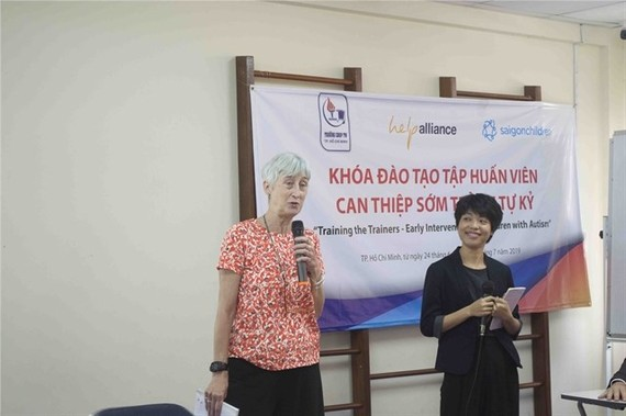 """Saigon Children's Charity on June 24 started the last phase of the three-year project """"Early Intervention for Children with Autism – Training the Trainers"""". (Photo courtesy of the saigonchildren)"""