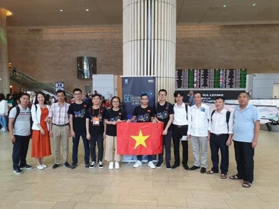 Members of the Vietnamese team at the 50th International Physics Olympiad in Israel. (Photo courtesy of the Ministry of Education and Training)