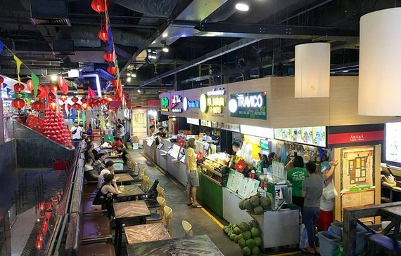 """First-ever underground market in Ho Chi Minh City, Sense Market, before it was closed in April. The market is re-opened under a new name """"Central Market"""" on September 21. (Photo: sggp)"""