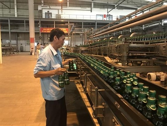 Brewer Sabeco's factory in Củ Chi District, HCM City. The largest brewer by market capitalisation was among blue chips that fell on October 8. (Photo:tapchicongthuong.com)