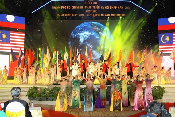 """The """"Ho Chi Minh City – development and integration"""" festival in 2015 (Source: VNA)"""