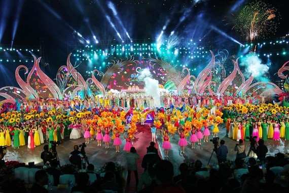 An art performance in the grand opening ceremony of the 8th Da Lat Flower Festival