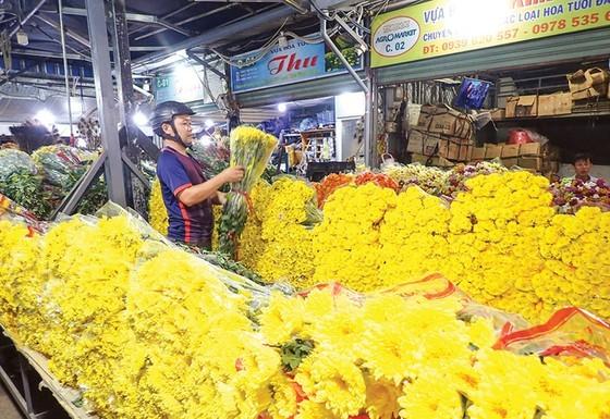 Flowers in a wholesale market