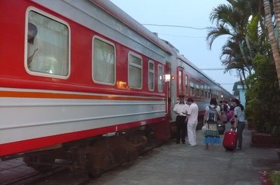 The transnational passenger train between Hanoi and China